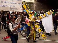 BOGOTA - COLOMBIA,26-07-2019: Cientos de personas se reunieron para marchar en contra del asesinato de lideres sociales y exigiendo la protección de estos/ Hundreds of people gathered to march against the murder of social leaders and demanding the protection of them . Photo: VizzorImage / Nicolas Aleman / Cont