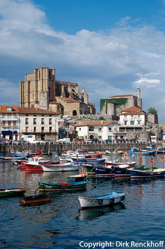 Spanien, Kantabrien, Castro Urdiales, Hafen, Burg, Santa Maria