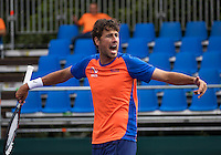 Moscow, Russia, 13 th July, 2016, Tennis,  Davis Cup Russia-Netherlands, Training Dutch team, Robin Haase (NED) making fun<br /> Photo: Henk Koster/tennisimages.com