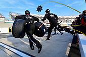 #18: Harrison Burton, Kyle Busch Motorsports, Toyota Tundra Safelite AutoGlass makes a pit stop