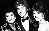 Barry Manilow Edna Manilow  Dana Robbins 1980s  Photo by Adam Scull-PHOTOlink.net