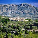Spain, Costa Blanca, near Cocentaina: Landscape upcountry with village Benillup | Spanien, Costa Blanca, bei Cocentaina: Landschaft im Landesinneren mit Dorf Benillup