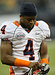 Illinois Fighting Illini cornerback Patrick Nixon-Youman (4) getting ready for battle before the 2010 Texas  Bowl football game between the Illinois  Fighting Illini and the Baylor Bears at the Reliant Stadium in Houston, Tx. Illinois defeats Baylor 38 to 14....