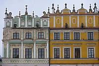 Europe/Pologne/Zamosc: Détails de facades des maisons de la place du marché -autrefois propriété des Arméniens-Rynek Wielki-architecte Bernardo Morando