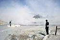 Irak 1991.Helicoptere américain se posant à Shaklawa.Iraq 1991.US helicopter landing in Shaklawa