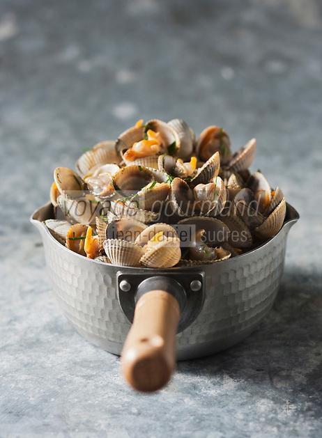 Gastronomie Générale: Persillade de Coques - Stylisme : Valérie LHOMME