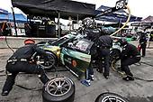 #66: Gradient Racing Acura NSX GT3, GTD: Till Bechtolsheimer, Mario Farnbacher, pit stop