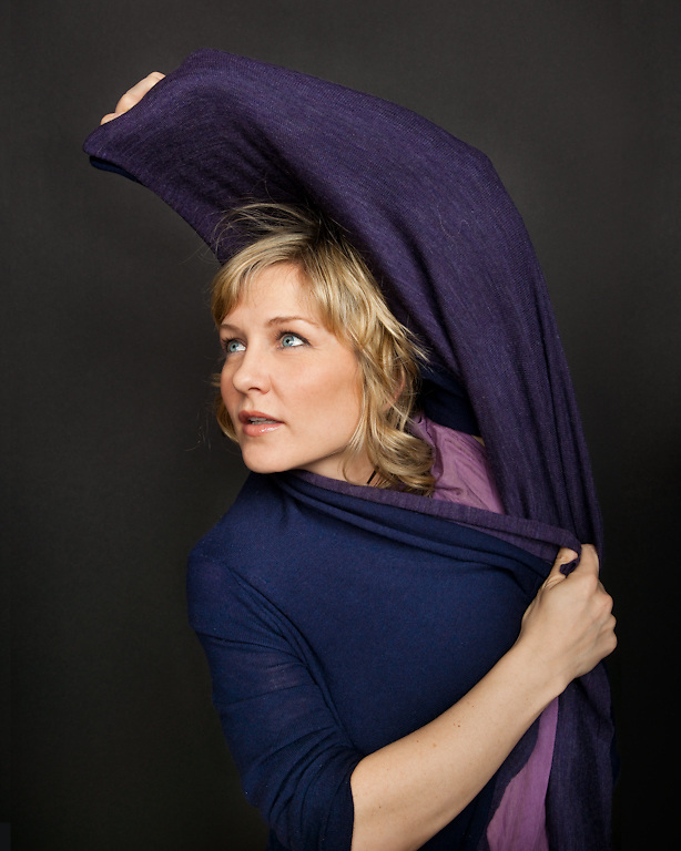 Actress Amy Carlson photographed for The Creative Coalition at Haven House in Beverly Hills, California on February 20, 2009