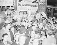 MontrÈal newsstand as war was declared, September 1939