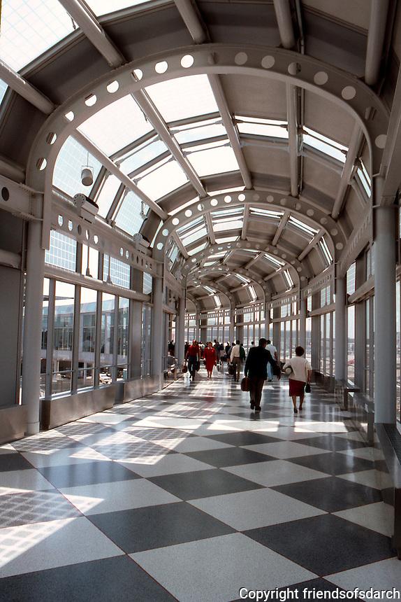 Helmut Jahn: United Terminal--O'Hare.  Photo '88.