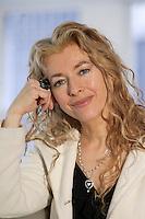 Montreal (QC) CANADA, April 3 , 2007<br /> <br />  Joe Bocan  au <br /> lancement du premier projet de sensibilisation d'envergure provinciale<br />     la Marche de la mémoire RONA organisée par la Fédération québécoise des<br />                              sociétés Alzheimer. en présence de<br />     l'auteure-compositeur-interprZte, comédienne et porte-parole provinciale<br />                             Madame Viviane Audet,<br />     Monsieur Bruno Labrie (ex-académicien, auteur-compositeur-interprZte),<br />                  Madame Joe Bocan (chanteuse et comédienne),<br />                      Monsieur Emmanuel Auger (comédien),<br />     Monsieur Michel Dumont, directeur artistique de la Compagnie Jean Duceppe<br />                depuis 1991, figure de proue du milieu culturel<br />       ainsi que de nombreuses personnalités du milieu artistique et des<br />                                   affaires.