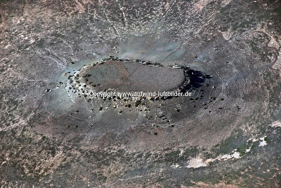 Karoo: AFRIKA, SUEDAFRIKA, ORANGE FREE STATE, GARIEPDAM, 17.12.2007: Landschaft in der Halbwueste Karoo, zentralen Hochebene des Landes Suedafrika, Highveld, Klein Karoo, Gross Karoo und Ober Karoo. Klima arid, trocken, im Luv der Berge, kaum Niederschlaege. Bewohner sind die San die dem Land den Namen Kuru geben, trocken ist die Bedeutung , Afrika, Suedafrika, Orange Free, State, Gariepdam, Wueste, Landschaft, Natur, Hochebene, Halbwueste, Wuestenlandschaft, Berg, Berge, Berglandschaft, Huegel, Huegellandschaft, Gebirge, trocken, Karoo, Struktur, Luftbild, Draufsicht, Luftaufnahme, Luftansicht, Luftblick, Flugaufnahme, Flugbild, Vogelperspektive # , shape, structure, texture, mound, hill, hillock, desert landscape, air opinion, Flugbild, Luftblick, ow_visum, mountain, Orange Free, semiarid land, top view, plan, Berglandschaft, Flugaufnahme, plateau, Gariepdam, bird 's-eye view, mountains, mountain range, shale, nature, Huegellandschaft, landscape, scene, scenery, desert, aerial photograph, africa, aridly, deadpan, drily, dry, dryly, south africa, air photo # # , shape, structure, texture, mound, hill, hillock, desert landscape, air opinion, Flugbild, Luftblick, ow_visum, mountain, Orange Free, semiarid land, top view, plan, Berglandschaft, Flugaufnahme, plateau, Gariepdam, bird 's-eye view, mountains, mountain range, shale, nature, Huegellandschaft, landscape, scene, scenery, desert, aerial photograph, africa, aridly, deadpan, drily, dry, dryly, south africa, air photo #  Aufwind-Luftbilder