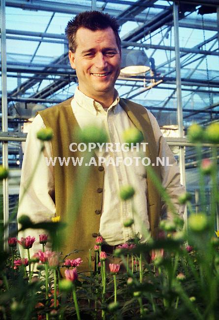 Wageningen, Foto:Koos Groenewold(apa-Foto)<br />Professor O.van Kooten in een proefkas.<br /><br />tg3/4  oog  7  prof. o. van kooten  apa/koos groenewold