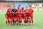 Players of Singapore Team line up and pose for a photo prior to their AFF Suzuki Cup 2008 match. Photo by Stringer / Lagardere Sports