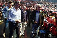 PAUL BELMONDO, VICTOR BELMONDO, CHARLES GERARD, JEAN PAUL BELMONDO - ASSISTENT AU COMBAT ENTRE TONY YOKA ET JONATHAN RICE SUR LE RING DU ZENITH DE PARIS, FRANCE, LE 14/10/2017.