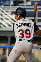 August 12, 2003:  Edwin Maysonet of the Tri-City Valley Cats, Short Season Class-A affiliate of the Houston Astros, during a NY-Penn League game at Dwyer Stadium in Batavia, NY.  Photo by:  Mike Janes/Four Seam Images