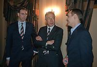 02-03-11Tennis, Oekraine, Charkov, Daviscup, Oekraine - Netherlands, Official Dinner, KNLTB directeur Evert Jan Hulshof (L) en KNLTB voorzitter Rolf Thung (M) ontmoeten de president van de Oekrainse tennisbond.