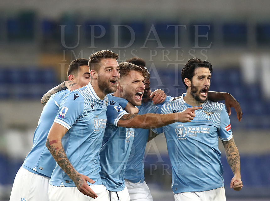 Calcio, Serie A: S.S.Lazio - Napoli, Olympic stadium, Rome, December 20, 2020. <br /> Lazio's  captain Ciro Immobile (c) celebrates after scoring with his teammates during the Italian Serie A football match between Lazio and Napoli at the Olympic stadium, on December 20, 2020.<br /> UPDATE IMAGES PRESS/Isabella Bonotto