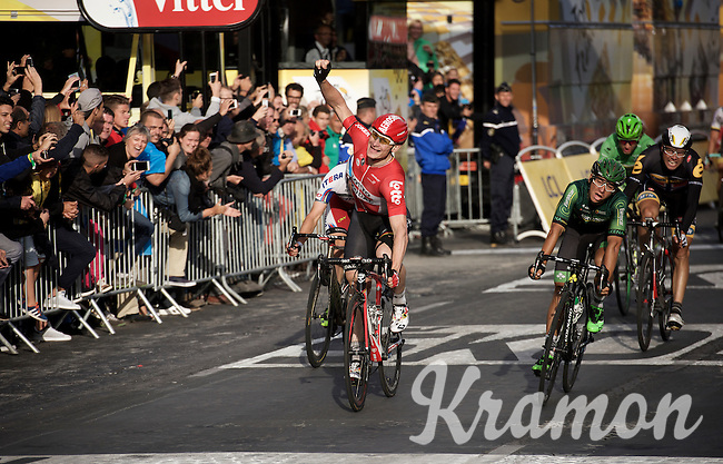André Greipel (DEU/Lotto-Soudal) wins his 4th stage of this Tour on the final stage on the Champs Elysées<br /> <br /> stage 21: Sèvres - Champs Elysées (109km)<br /> 2015 Tour de France