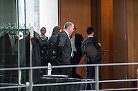 49. Sitzung des NSU-Untersuchungsausschuss des Deutschen Bundestag.<br /> Als Zeuge war der ehemalige Neonazi und V-Mann Michael See alias Michael von Dolsperg geladen.<br /> Im Bild: Die Ausschussmitglieder muessen fuer die Vernehmung aus Sicherheitsgruenden in einen Extra-Saal umziehen. Anwesende Journalisten sollten den (ehemaligen) V-Mann und Neonazi nicht zu sehen bekommen.<br /> 16.2.2017, Berlin<br /> Copyright: Christian-Ditsch.de<br /> [Inhaltsveraendernde Manipulation des Fotos nur nach ausdruecklicher Genehmigung des Fotografen. Vereinbarungen ueber Abtretung von Persoenlichkeitsrechten/Model Release der abgebildeten Person/Personen liegen nicht vor. NO MODEL RELEASE! Nur fuer Redaktionelle Zwecke. Don't publish without copyright Christian-Ditsch.de, Veroeffentlichung nur mit Fotografennennung, sowie gegen Honorar, MwSt. und Beleg. Konto: I N G - D i B a, IBAN DE58500105175400192269, BIC INGDDEFFXXX, Kontakt: post@christian-ditsch.de<br /> Bei der Bearbeitung der Dateiinformationen darf die Urheberkennzeichnung in den EXIF- und  IPTC-Daten nicht entfernt werden, diese sind in digitalen Medien nach §95c UrhG rechtlich geschuetzt. Der Urhebervermerk wird gemaess §13 UrhG verlangt.]