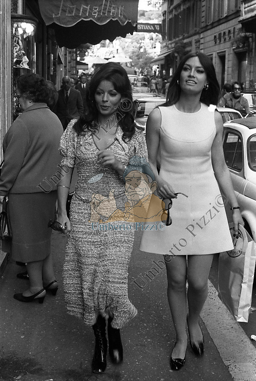 MARISA MELL E PASCAL PETITE<br /> VIA DEI CONDOTTI ROMA 1973