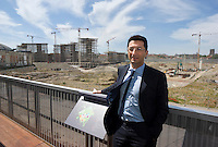 "milano, cantiere per la costruzione del nuovo quartiere citylife sull'area della fiera fieramilanocity. nella foto: carlo masseroli, assessore allo sviluppo del territorio di milano --- milan, construction yard of the new ""Citylife"" district on the area of the ""fieramilanocity"" fair. in the picture: carlo masseroli, town plan councillor"