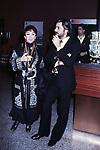 """LINA WERTMULLER CON GIANCARLO GIANNINI<br /> PREMIO DEL CINEMA """"MASCHERA D'ORO"""" RODOLFO VALENTINO - TEATRO POLITEAMA LECCE 12 1976"""