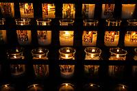 Arizona Tucson Mission of Saint Xavier del Bac, spanish Catholic mission Interiors Interni ceri  votivi