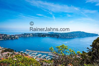 Frankreich, Provence-Alpes-Côte d'Azur, Villefranche-sur-Mer: Ausblick ueber die Bucht von Villefranche-sur-Mer mit der Landzunge Cap Ferrat | France, Provence-Alpes-Côte d'Azur, Villefranche-sur-Mer: view across bay with peninsula Cap Ferrat
