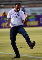 NEIVA - COLOMBIA -29 -05-2016: Jaime de la Pava, técnico de Cortulua, durante partido entre Atletico Huila y Cortulua, por la fecha 3 de la Liga Aguila II 2016 en el estadio Guillermo Plazas Alcid de Neiva. / Jaime de la Pava, coach of Cortulua, during a match between Atletico Huila and Cortulua, for the date 3 of the Liga Aguila II 2016 at the Guillermo Plazas Alcid Stadium in Neiva city. Photo: VizzorImage  / Sergio Reyes / Cont.