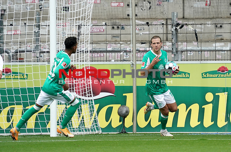 17.10.2020, Schwarzwald Stadion, Freiburg, GER, 1.FBL, SC Freiburg vs SV Werder Bremen<br /> <br /> im Bild / picture shows<br /> Niclas Füllkrug (Bremen) freut sich über das Tor zum 1:1<br /> <br /> Foto © nordphoto / Bratic<br /> <br /> DFL REGULATIONS PROHIBIT ANY USE OF PHOTOGRAPHS AS IMAGE SEQUENCES AND/OR QUASI-VIDEO.