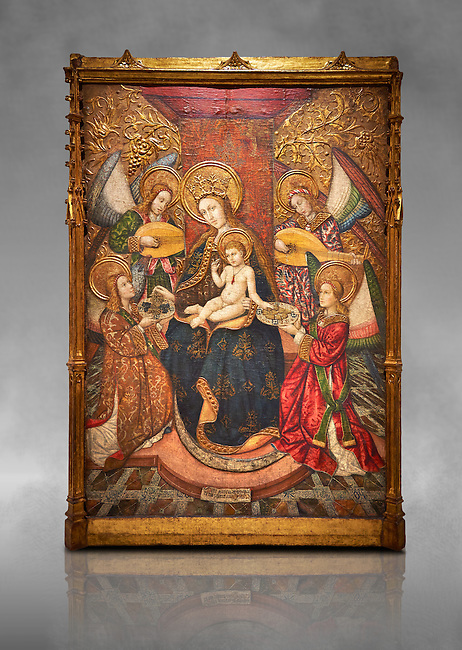 Gothic altarpiece of Madonna and Child and 4 angels, by Pere Garcia de Benavarri, circa 1445-1485, tempera and gold leaf on wood.  National Museum of Catalan Art, Barcelona, Spain, inv no: MNAC  15817. Against a grey art background.