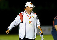 MEDELLÍN -COLOMBIA-01-06-2016. Nestor Otero técnico de Rionegro Águilas gesticula durante el encuentro con Atlético Nacional por la fecha 6 de la Liga Águila I 2016 jugado en el estadioAlberto Grisales de la ciudad de Rionegro./ Nestor Otero coach of Rionegro Aguilas gestures during the second leg match against Atletico Nacional for the final quaters of the Aguila League I 2016 played at Alberto Grisales stadium in Rionegro city. Photo: VizzorImage/ León Monsalve /Str