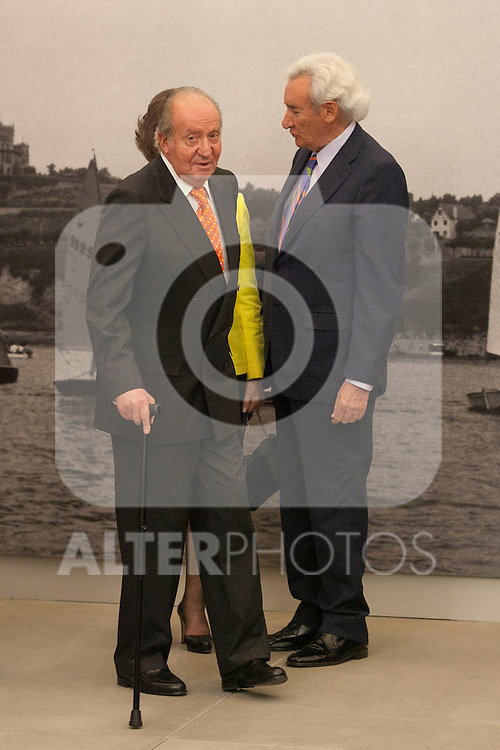 """King Juan Carlos of Spain and Queen Sofia of Spain with journalist Luis del Olmo during the """"REY DE ESPAÑA"""" International Journalism Awards and ¨DON QUIJOTE"""" Journalism Award in Madrid, Spain. May 27, 2014. (ALTERPHOTOS/Victor Blanco)"""