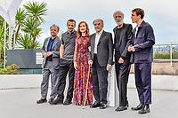 Franz HARDUIN, Michael HANEKE, Jean-Louis TRINTIGNANT, Isabelle HUPPERT, Mathieu KASSOVITZ et Toby JONES en photocall pour le film HAPPY END lors du soixante-dixième (70ème) Festival du Film à Cannes, Palais des Festivals et des Congres, Cannes, Sud de la France, lundi 22 mai 2017. # 70EME FESTIVAL DE CANNES - PHOTOCALL 'HAPPY END'