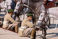 - soldiers waiting for a ceremony at the Sadat president mausoleum....- militari in attesa di una cerimonia al mausoleo del presidente Sadat