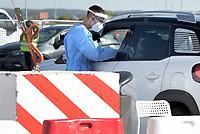 Roma, 4 settembre 2020<br /> L'area drive-in per i tamponi anti Covid-19, allestita nel parcheggio dell'aeroporto di Fiumicino Leonardo Da Vinci.