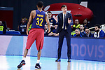FC Barcelona Lassa's coach Georgios Bartzokas talking with Alex Renfroe during Liga Endesa match between Real Madrid and FC Barcelona Lassa at Wizink Center in Madrid, Spain. March 12, 2017. (ALTERPHOTOS/BorjaB.Hojas)