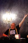 BABATE ORCHESTRA....Rémy Kolpakopoul..Jean-Marc ZELWER ? Compositeur, Santour, Accordéon, Clarinette..Woz KALY ? Chant profond..Alessandra AGOSTI ? Piano subtil..Pierre MAINDIVE ? Contrebassémotion..Philippe CHAIGNON ? Percussions, lutheries digitales et électroacoustiques..Cadre : Lundi c'est Rémy..Lieu : Comedy Club..Ville : Paris..Le 18/02/2013..© Laurent Paillier / photosdedanse.com