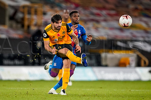 30th October 2020; Molineux Stadium, Wolverhampton, West Midlands, England; English Premier League Football, Wolverhampton Wanderers versus Crystal Palace; Rubén Neves of Wolverhampton Wanderers crosses the ball out to the wing