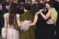 Dakota Johnson, Olivia Colman, Jessie Buckley und Maggie Gyllenhaal bei der Premiere des Kinofilms 'The Lost Daughter' auf dem 65. BFI London Film Festival 2021 in der Royal Festival Hall. London, 13.10.2021 . Credit: Action Press/MediaPunch **FOR USA ONLY**