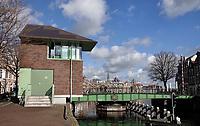Nederland  Haarlem - 2020.  De Melkbrug met brugwachtershuisje t Melkhuisje.   Foto : ANP/ HH / Berlinda van Dam