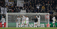 Calcio, Champions League: Gruppo D - Juventus vs Manchester City. Torino, Juventus Stadium, 25 novembre 2015. <br /> Juventus' players greet fans at the end of the Group D Champions League football match between Juventus and Manchester City at Turin's Juventus Stadium, 25 November 2015. Juventus won 1-0.<br /> UPDATE IMAGES PRESS/Isabella Bonotto