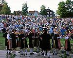 Sweden, Province Dalarnas laen, Leksand: Midsummer | Schweden, Provinz Dalarnas laen, Leksand: Mittsommerfest