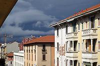- Milan, popular houses in the Ticinese/Cermenate district....- Milano, case popolari in zona Ticinese/Cermenate