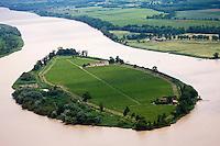 Europe/France/Aquitaine/33/Gironde/ Vue aérienne de l'Ile Margaux sur l' Estuaire de la Gironde