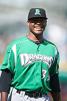 Dayton Dragons pitcher El'Hajj Muhammad #33 during a Midwest League game against the Fort Wayne TinCaps at Parkview Field on August 19, 2012 in Fort Wayne, Indiana.  Dayton defeated Fort Wayne 5-1.  (Mike Janes/Four Seam Images)