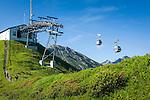 Austria, Vorarlberg, Kleinwalsertal, Riezlern: with Kanzelwand cable car up to upper station at 1.956 m, then another 20 minutes hike up to the summit Kanzelwand | Oesterreich, Vorarlberg, Kleinwalsertal, Riezlern: mit der Kanzelwandbahn hinauf zur Bergstation auf 1.956 m, danach sind es noch ca. 20 Minuten Fussweg bis zum Gipfel der Kanzelwand