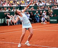 8-7-07, Scheveningen, Tennis, ITS, Michaella Krajicek speelt onder enorme media belanstelling een partijtje tennis met haar dubbelspartner tijdens het  15 jarig jubileum van de ITS