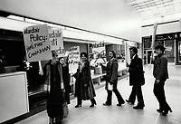 Wardair airline Strike<br /> <br /> Photo : Boris Spremo - Toronto Star archives - AQP